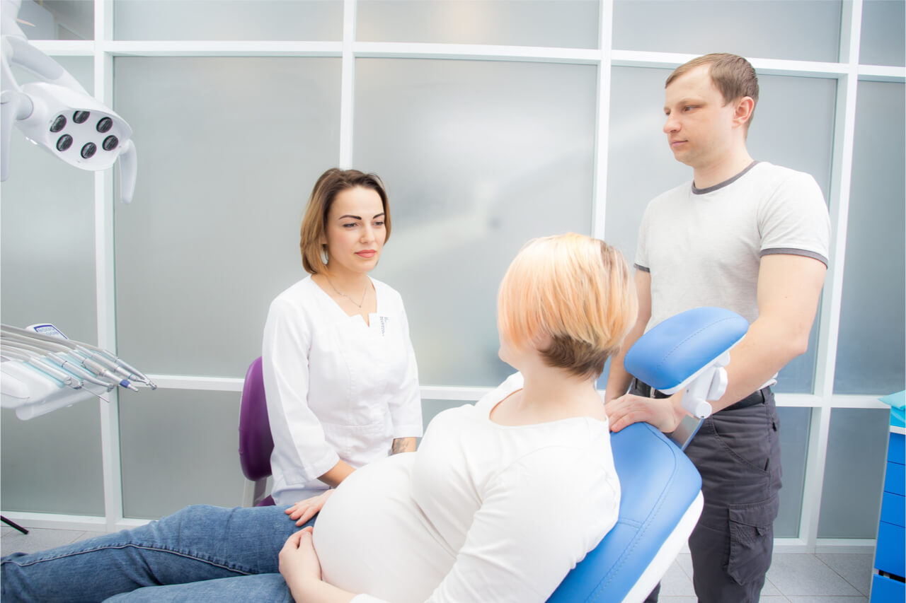 Tooth Whitening: Pregnant Moms Should be Careful